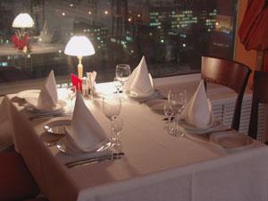 Restaurant, table, serviette, lampe, nuit